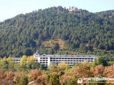 Travesía por la Sierra de la Maliciosa - Senderismo Madrid; ropa montaña